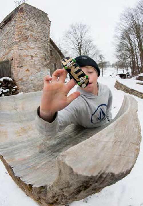 fingerboard article stone quarterpipe