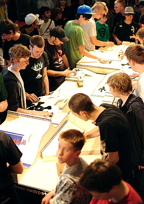 Fast Fingers 12 Fingerboard World Championship