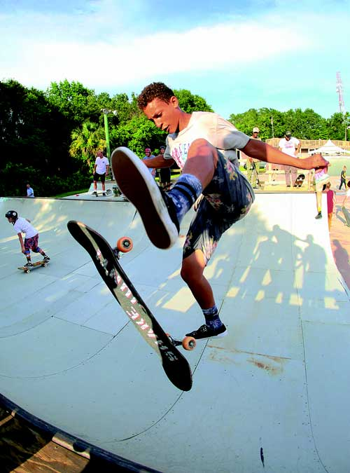 concrete wave magazine kona skatepark hits 40 years