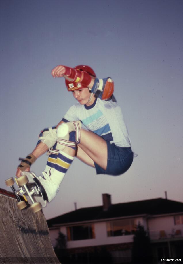 quarter-pipe-skater-hobie-wrist-braces.jpg