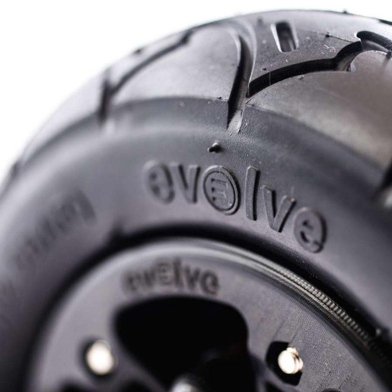 "Evolve 7"" Tire Black"